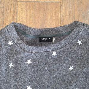Vici Star Pullover Gray Sweatshirt
